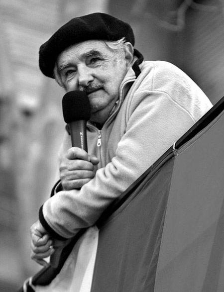 pepe mujica, a essência do viver com menos.
